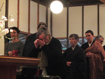 Steve's-funeral---Elizabeth-incense-offering_x350